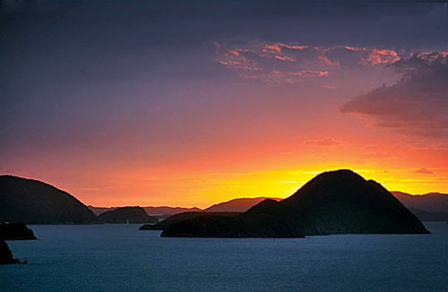 A breath­taking sunset over the islands