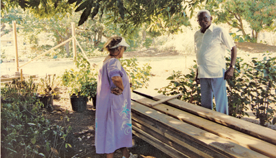 Margaret Barwick and J.R. O'Neal at the Botanic Gardens